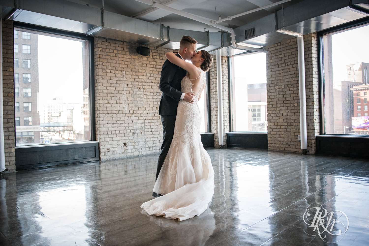 Jillian & Jared - Minnesota Wedding Photography - Lumber Exchange Event Center - RKH Images - Blog (21 of 87).jpg