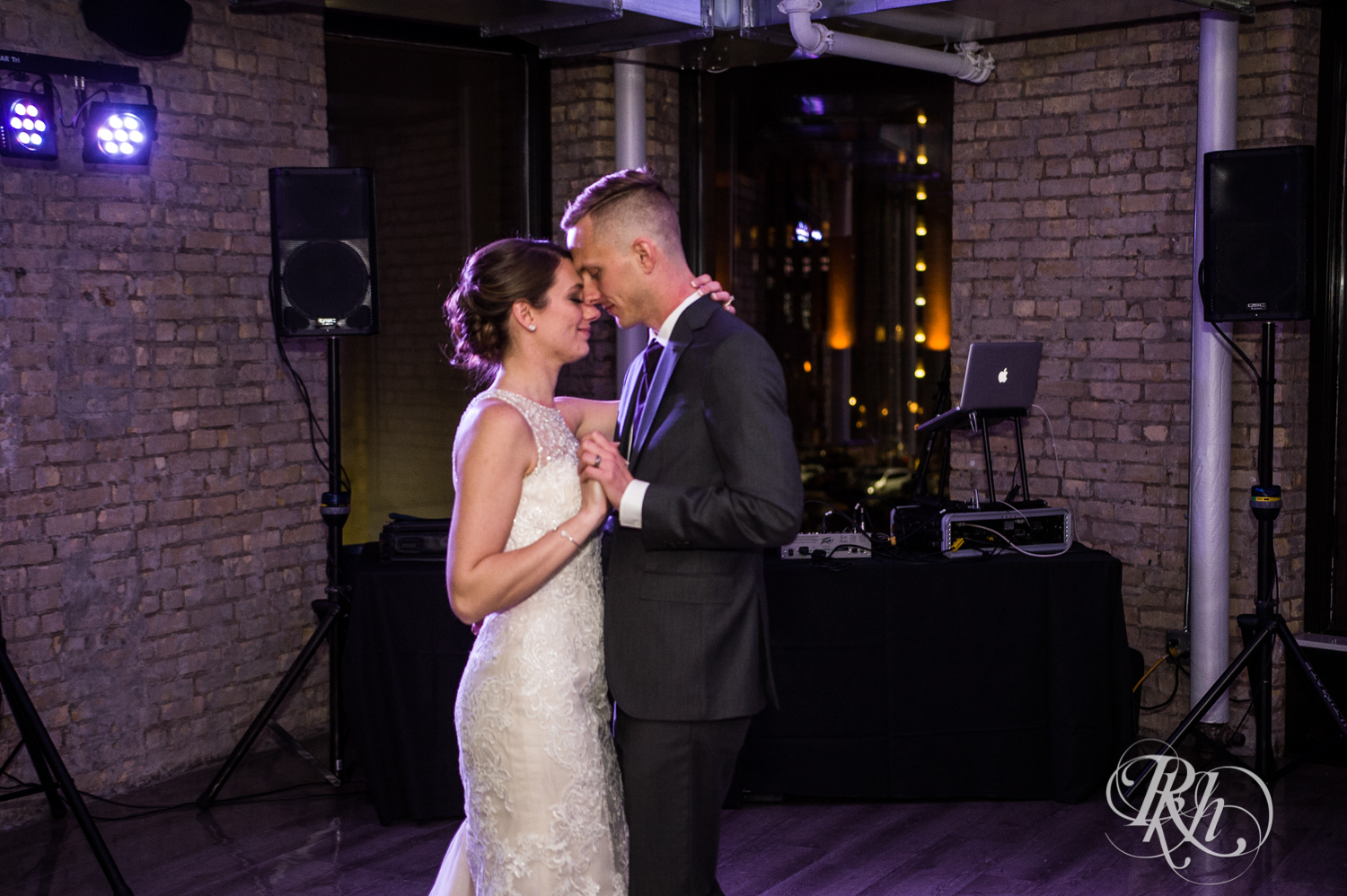 Jillian & Jared - Minnesota Wedding Photography - Lumber Exchange Event Center - RKH Images - Blog (73 of 87).jpg