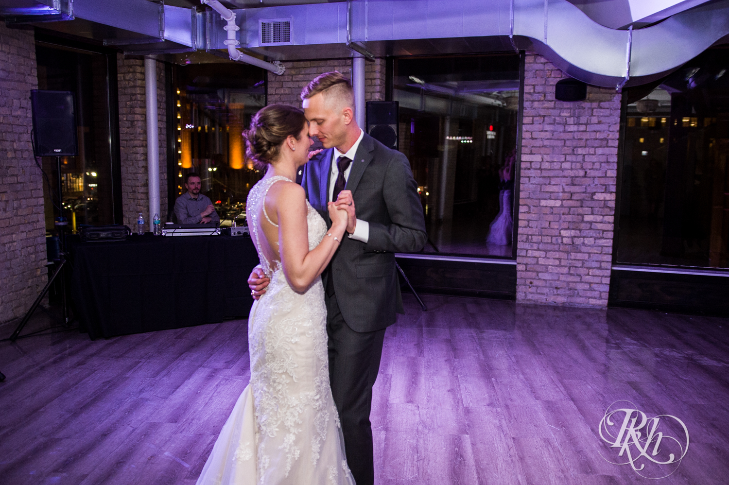 Jillian & Jared - Minnesota Wedding Photography - Lumber Exchange Event Center - RKH Images - Blog (75 of 87).jpg