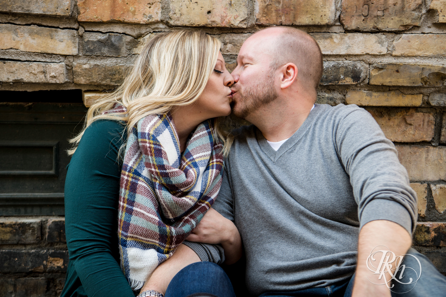 Shannon & Brian - Minnesota Engagement Photography - Loring Park - RKH Images - Blog  (5 of 16).jpg