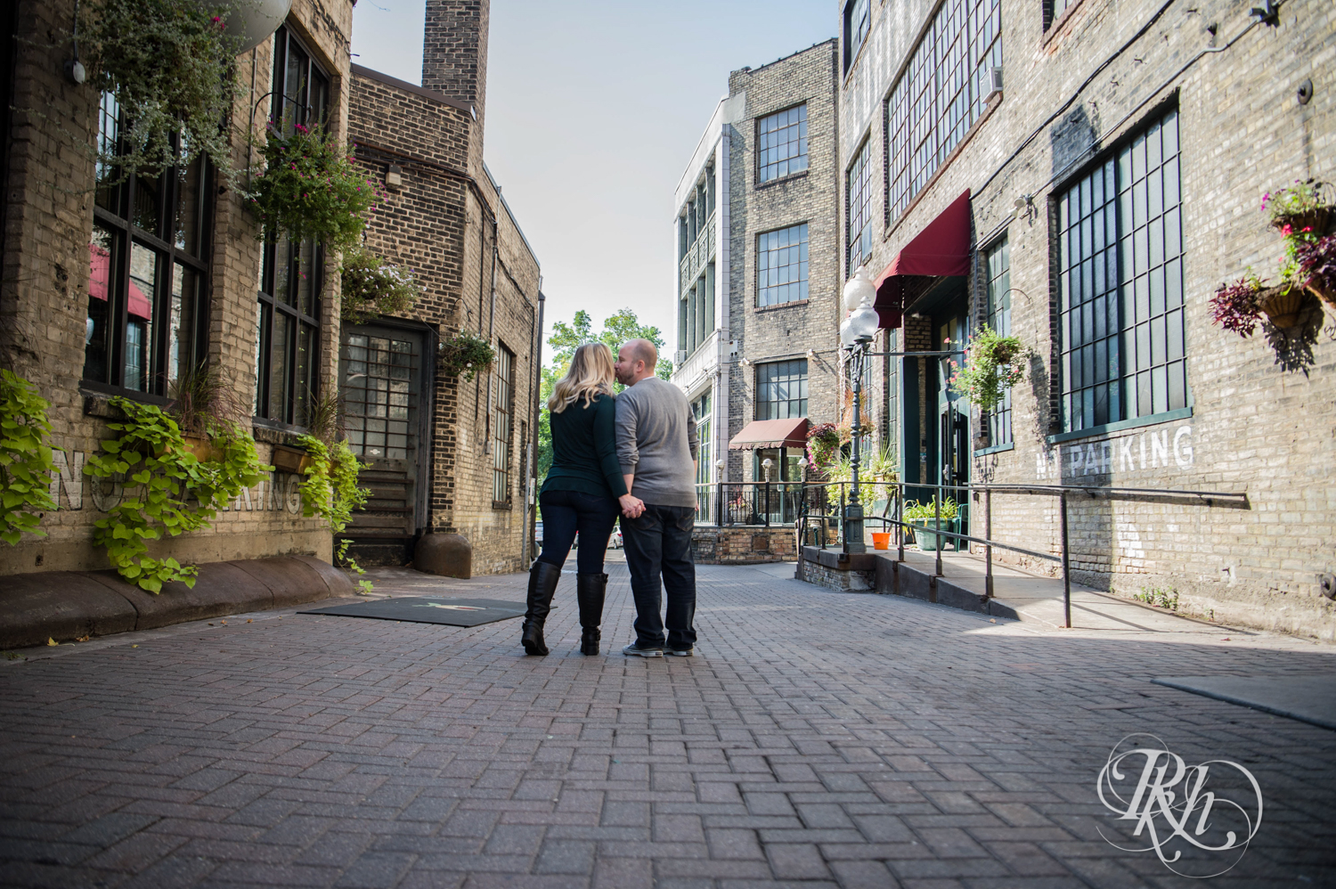 Shannon & Brian - Minnesota Engagement Photography - Loring Park - RKH Images - Blog  (13 of 16).jpg