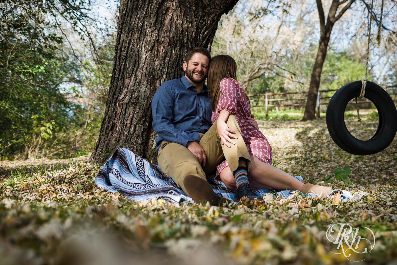 Amanda & Drew - Minnesota Engagement Photography - RKH Images - Blog  (14 of 16).jpg