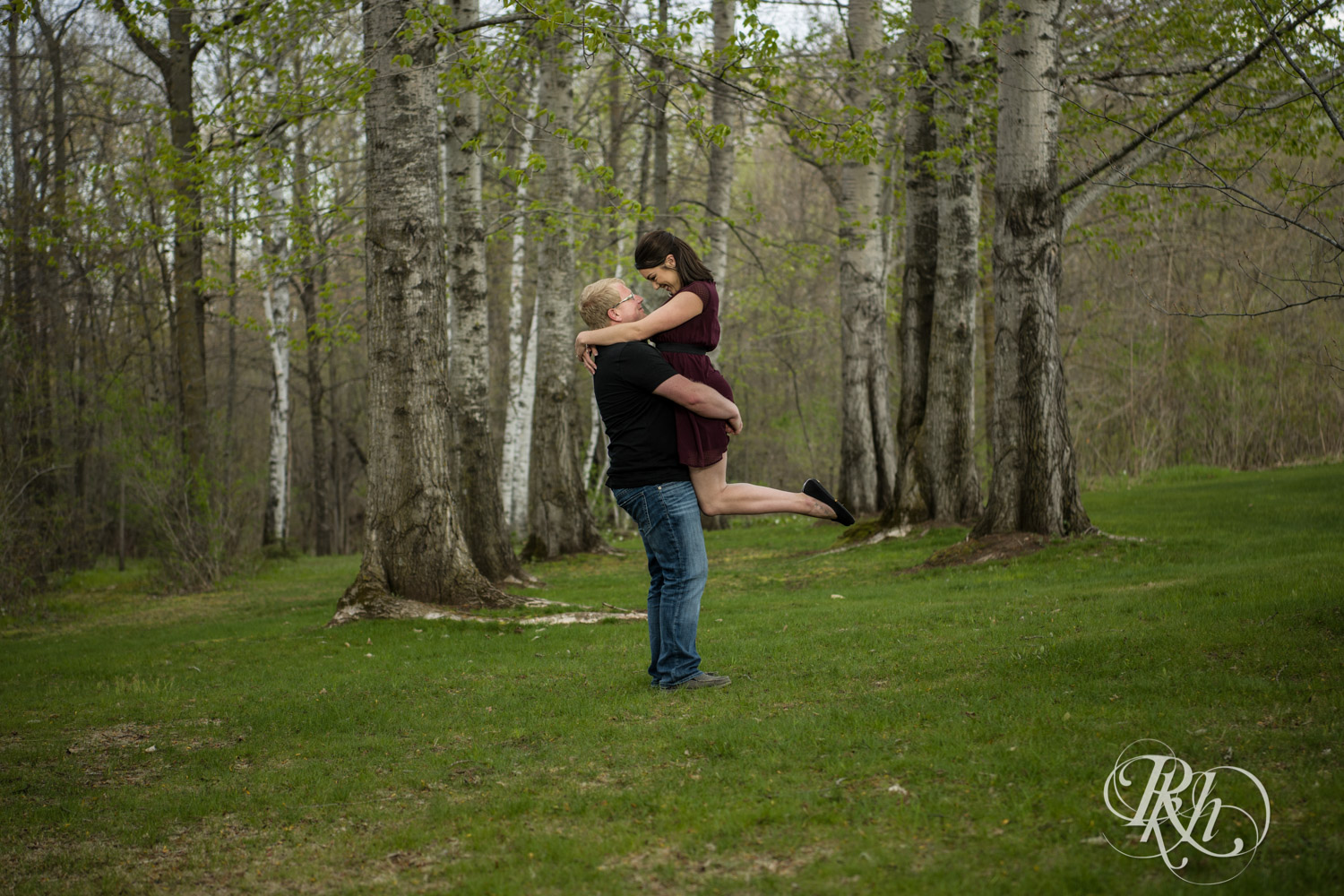 Chelsey & Erik - Minnesota Engagement Photography - Creekside Farm and Events - Rush City - RKH Images  (8 of 18).jpg