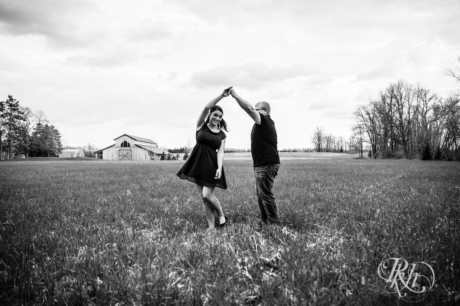 Chelsey & Erik - Minnesota Engagement Photography - Creekside Farm and Events - Rush City - RKH Images  (10 of 18).jpg