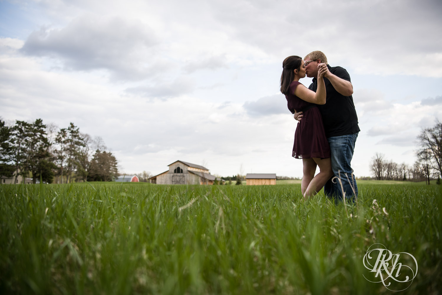 Chelsey & Erik - Minnesota Engagement Photography - Creekside Farm and Events - Rush City - RKH Images  (13 of 18).jpg