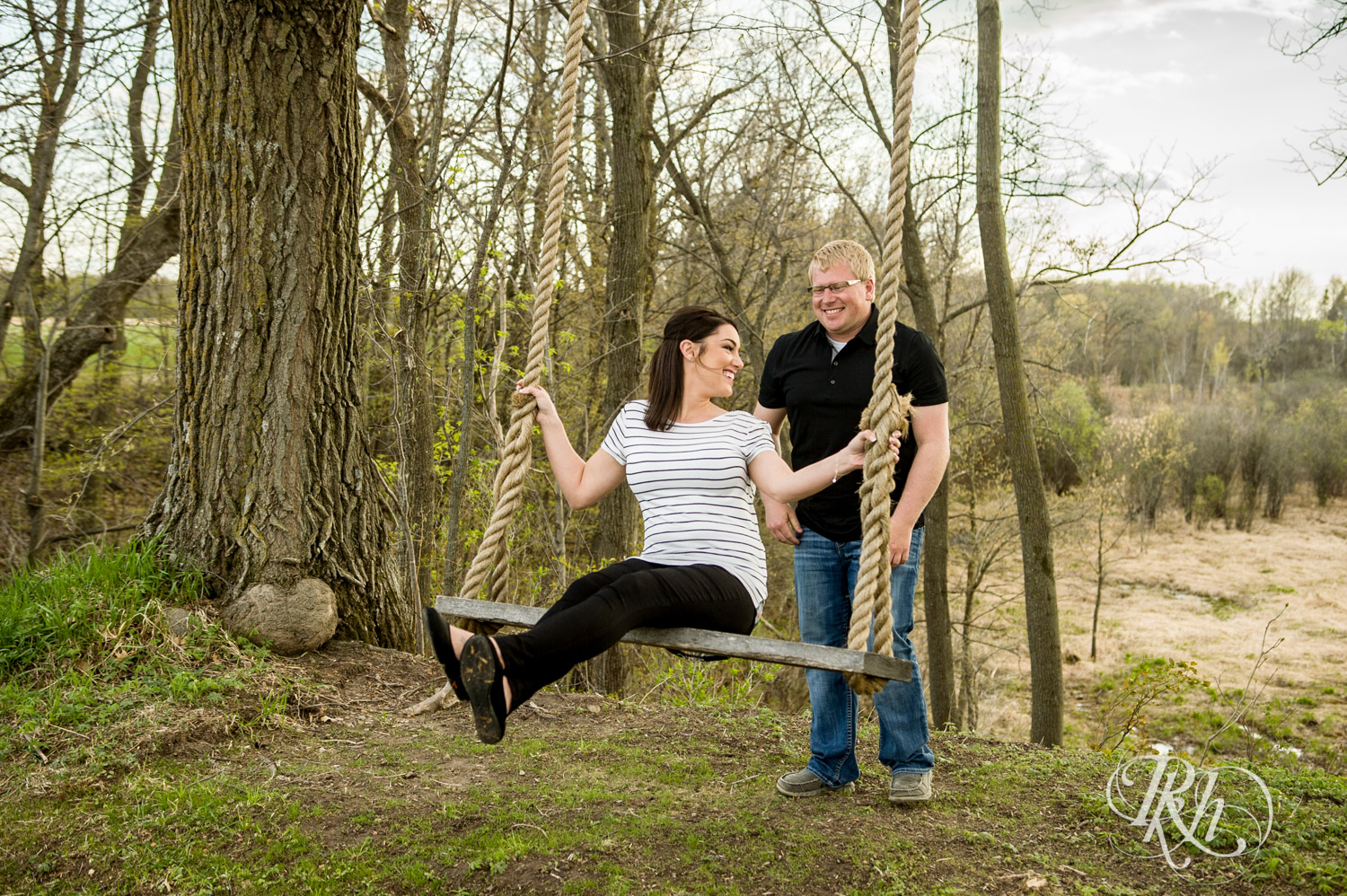 Chelsey & Erik - Minnesota Engagement Photography - Creekside Farm and Events - Rush City - RKH Images  (15 of 18).jpg