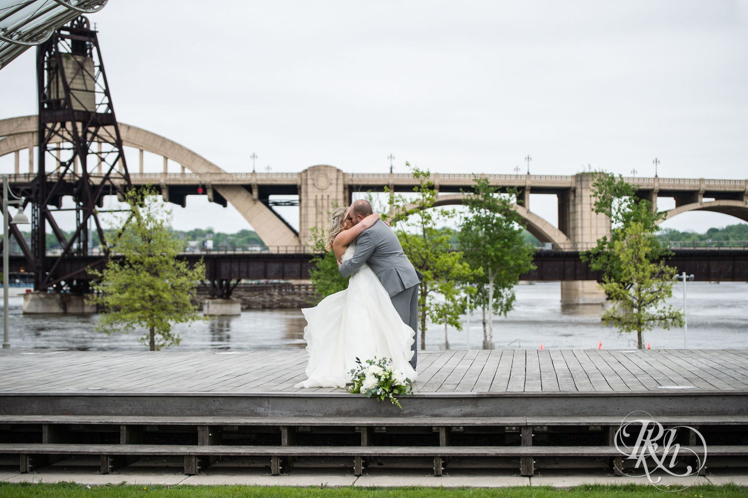 Shannon and Brian - Minnesota Wedding Photography - Raspberry Island - Minnesota Boat Club - RKH Images - Blog  (38 of 60).jpg