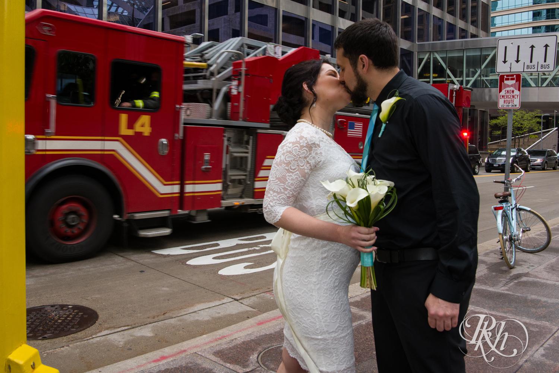 Lee & Kyle - Minnesota Wedding Photography - Minneapolis Historic Courthouse - RKH Images -    Blog (9 of 32).jpg