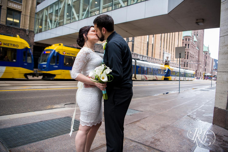 Lee & Kyle - Minnesota Wedding Photography - Minneapolis Historic Courthouse - RKH Images -    Blog (13 of 32).jpg