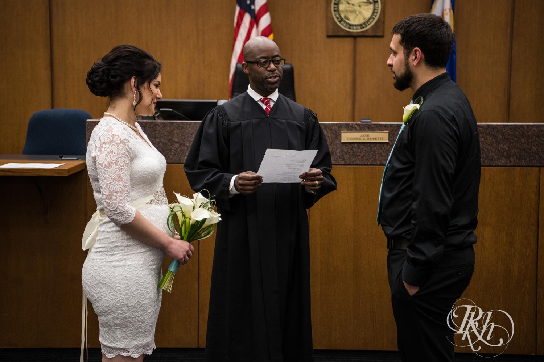 Lee & Kyle - Minnesota Wedding Photography - Minneapolis Historic Courthouse - RKH Images -    Blog (18 of 32).jpg