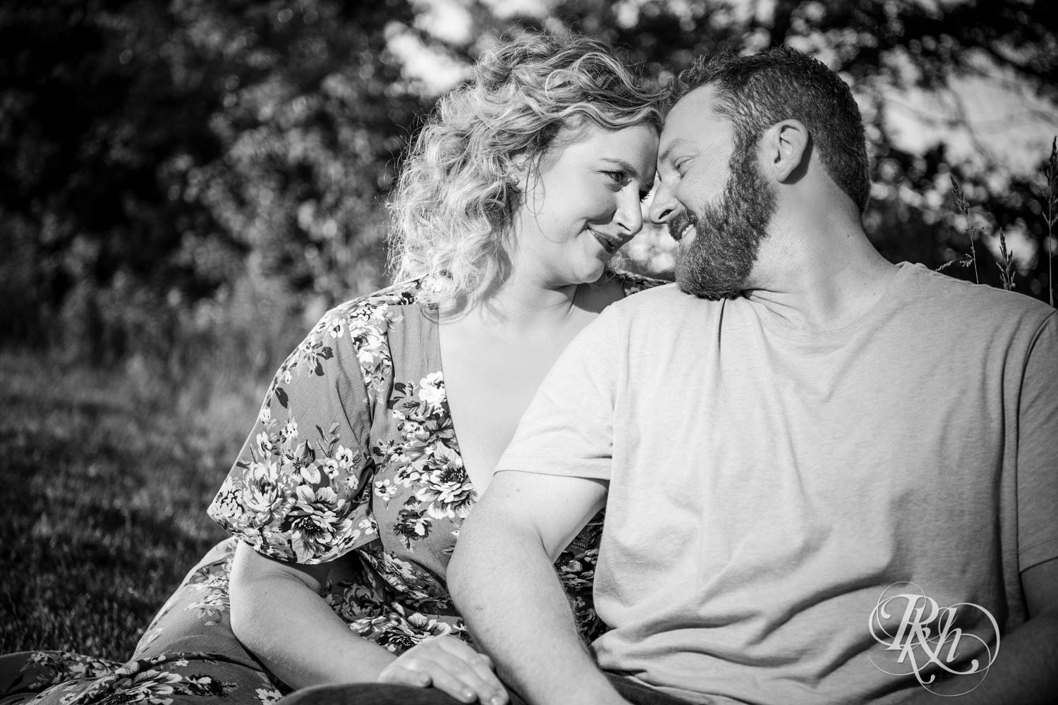 Constance & Josh - Minnesota Engagement Photography - Lebanon Hills Regional Park - RKH Images - Blog (7 of 18).jpg