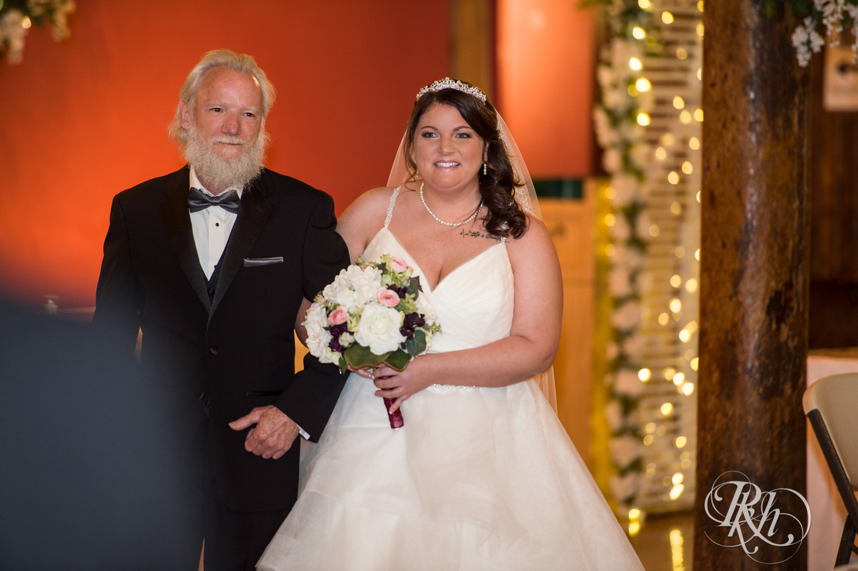 Lea & Robert - Memories Ballroom - Port Washington - Wisconsin Wedding Photography - RKH Images - Blog (10 of 45).jpg