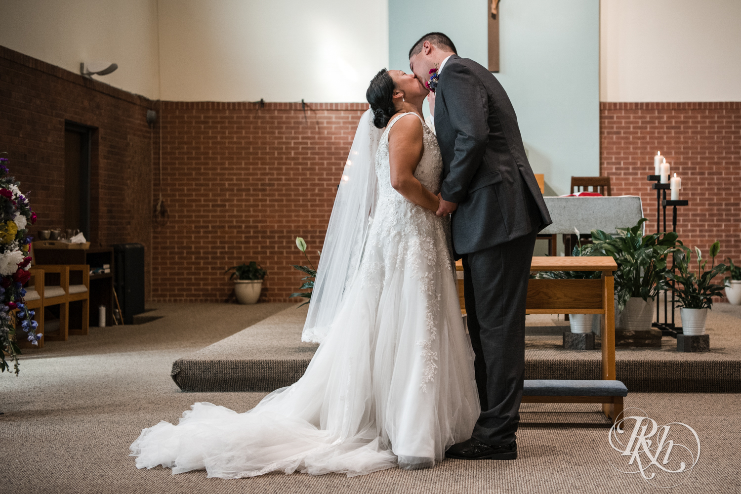 Jana and Paul - Minnesota Wedding Photography - Kellerman's Event Center - RKH Images  (45 of 77).jpg