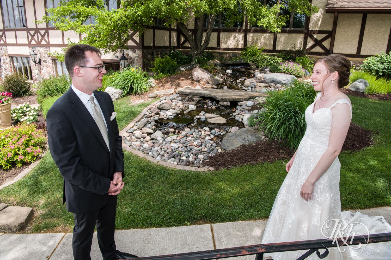 Lauren & Jake - Minnesota Wedding Photography - Oak Glen Golf Course - RKH Images  (10 of 50).jpg