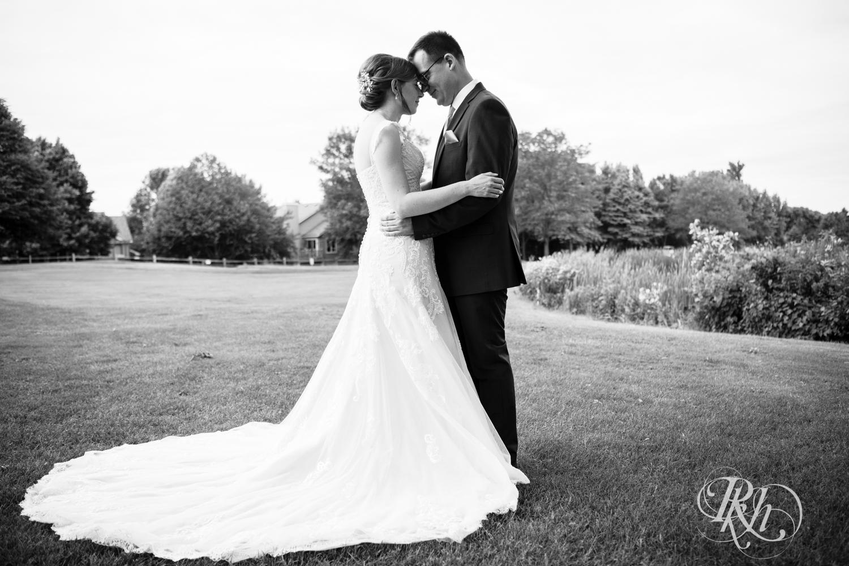 Lauren & Jake - Minnesota Wedding Photography - Oak Glen Golf Course - RKH Images  (13 of 50).jpg