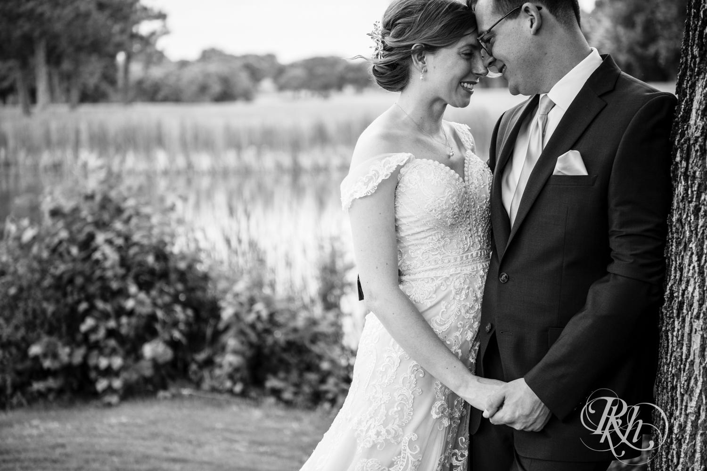 Lauren & Jake - Minnesota Wedding Photography - Oak Glen Golf Course - RKH Images  (15 of 50).jpg