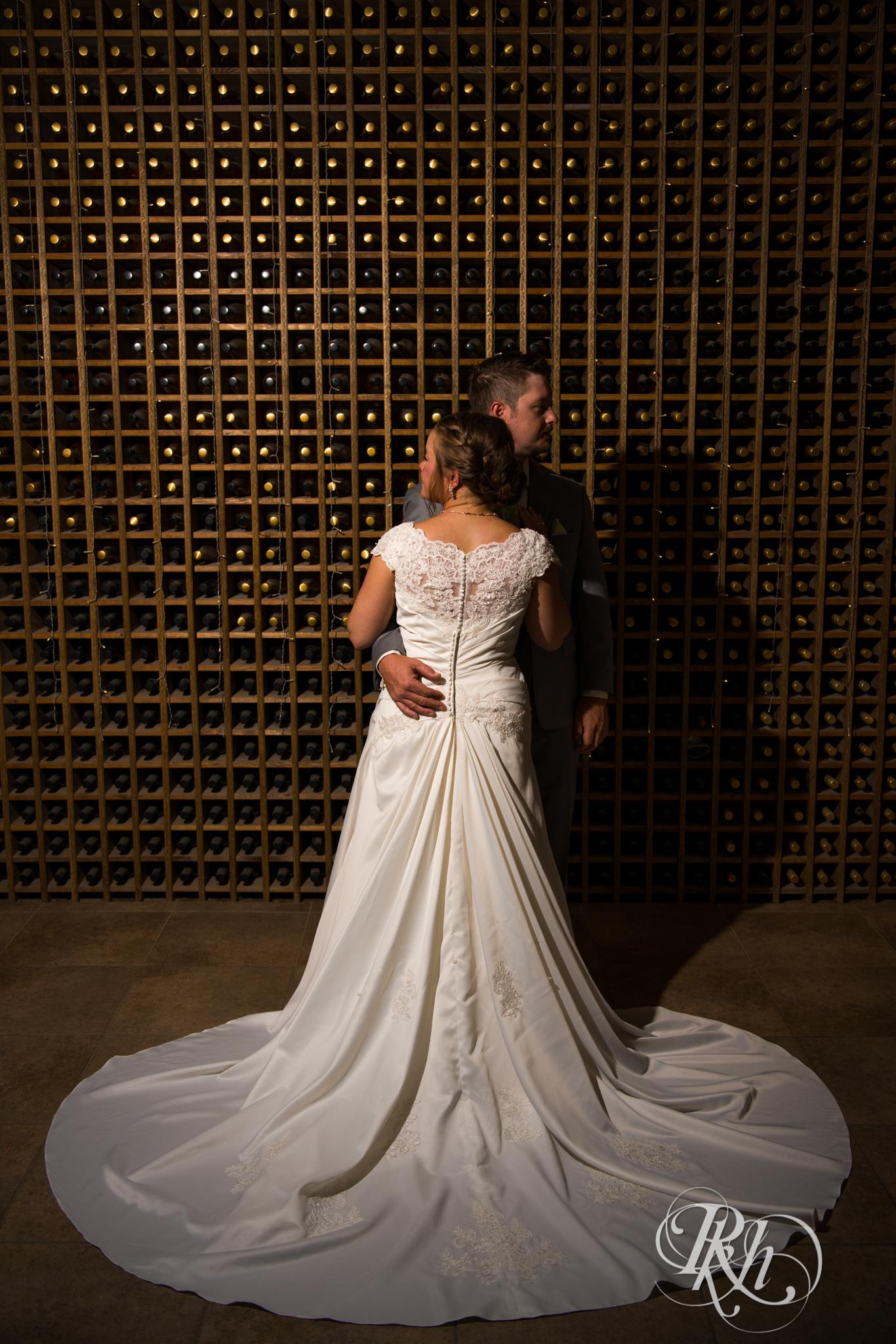 Ally & Nick - Minnesota Wedding Photography - Next Chapter Winery - RKH Images - Blog (31 of 57).jpg