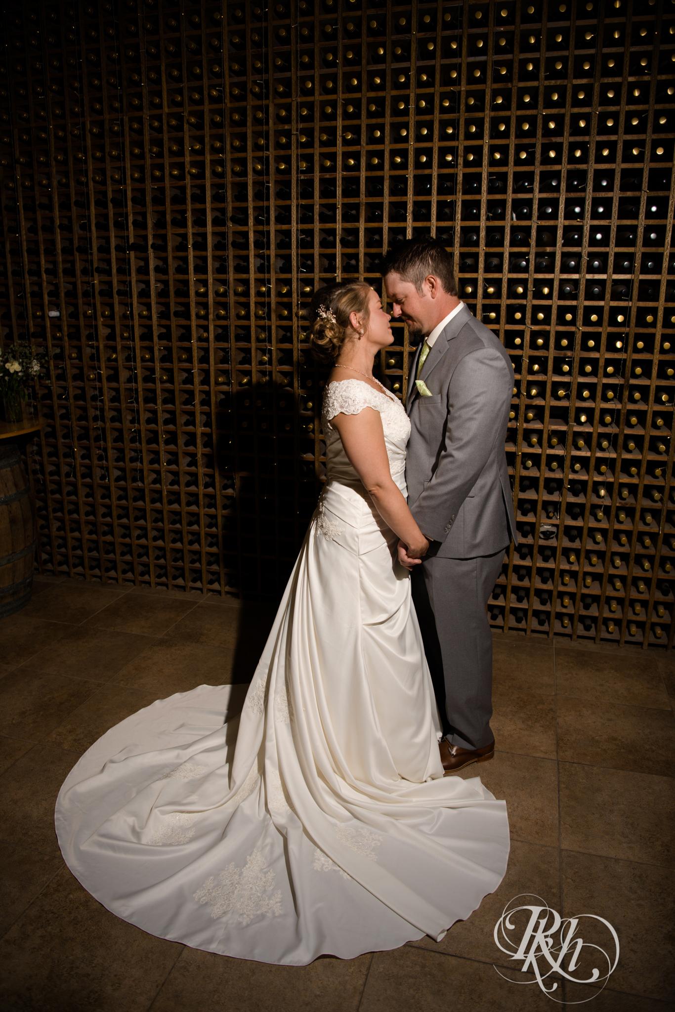 Ally & Nick - Minnesota Wedding Photography - Next Chapter Winery - RKH Images - Blog (32 of 57).jpg
