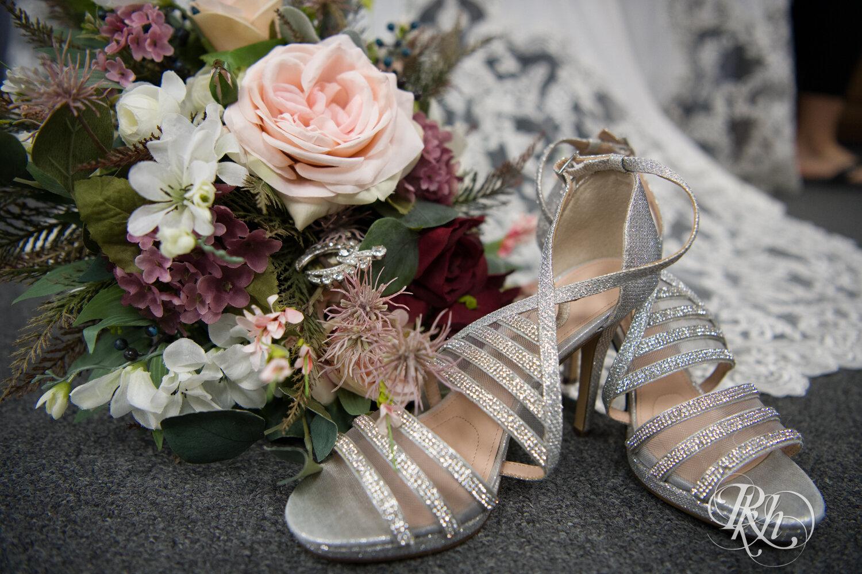 Makayla & Drew - Minnesota Wedding Photography - Country Inn Mankato - RKH Images - Blog (11 of 88).jpg