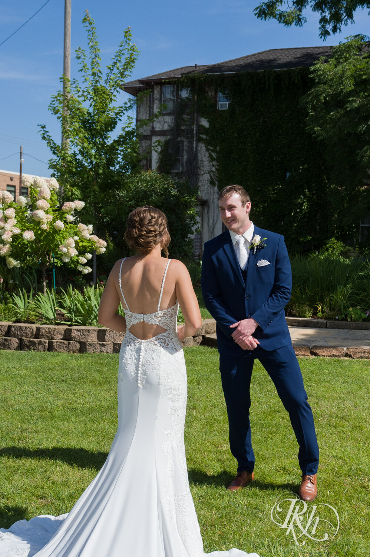 Makayla & Drew - Minnesota Wedding Photography - Country Inn Mankato - RKH Images - Blog (23 of 88).jpg
