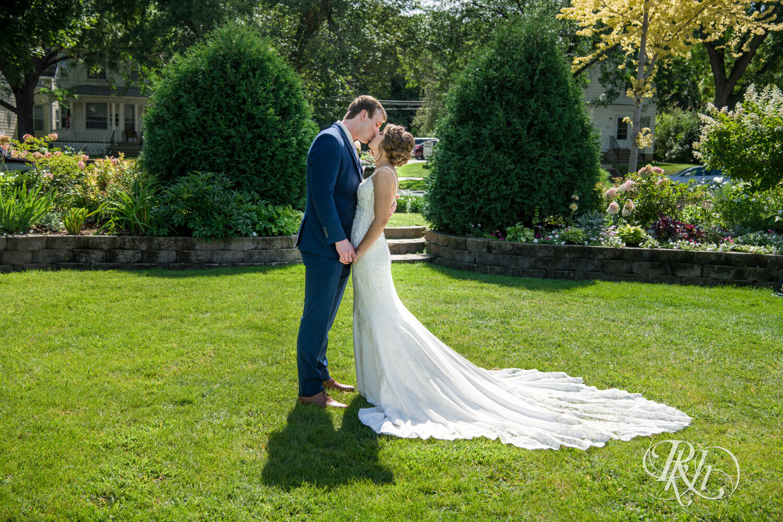 Makayla & Drew - Minnesota Wedding Photography - Country Inn Mankato - RKH Images - Blog (26 of 88).jpg
