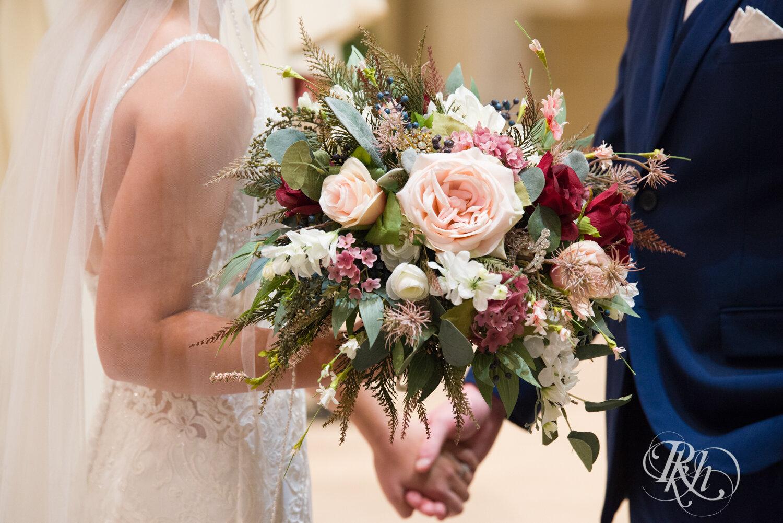 Makayla & Drew - Minnesota Wedding Photography - Country Inn Mankato - RKH Images - Blog (45 of 88).jpg