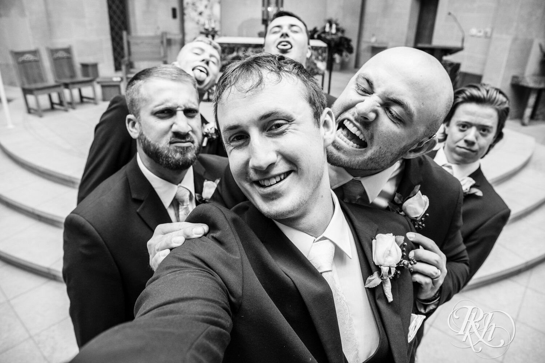 Makayla & Drew - Minnesota Wedding Photography - Country Inn Mankato - RKH Images - Blog (47 of 88).jpg