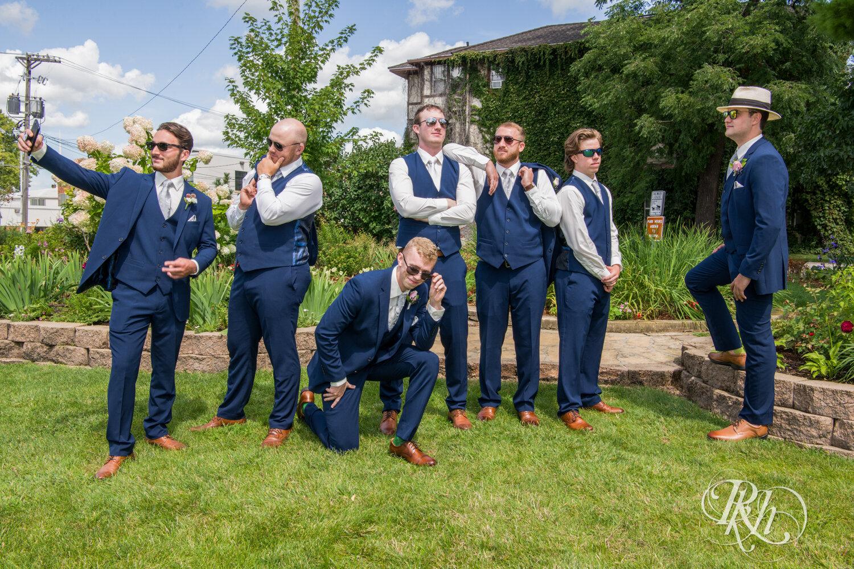 Makayla & Drew - Minnesota Wedding Photography - Country Inn Mankato - RKH Images - Blog (49 of 88).jpg