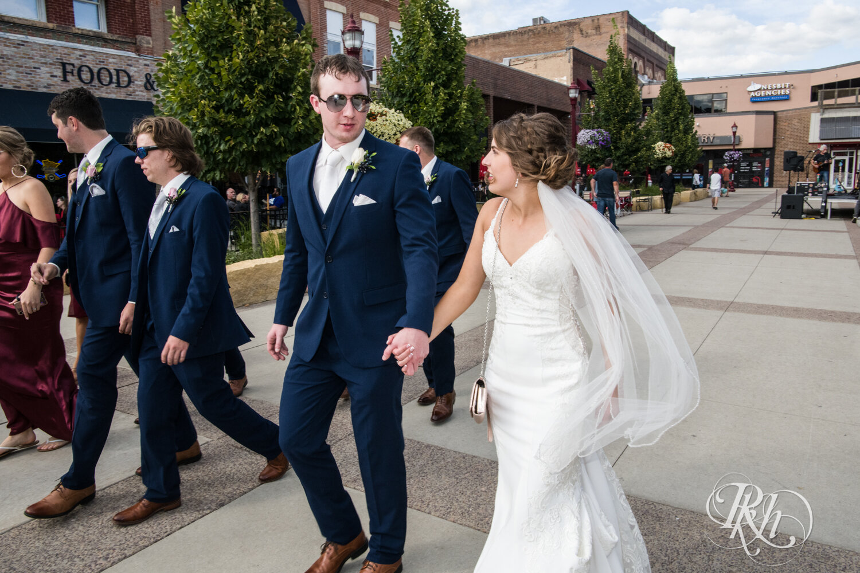 Makayla & Drew - Minnesota Wedding Photography - Country Inn Mankato - RKH Images - Blog (52 of 88).jpg