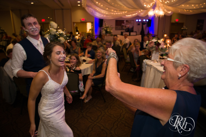 Makayla & Drew - Minnesota Wedding Photography - Country Inn Mankato - RKH Images - Blog (68 of 88).jpg