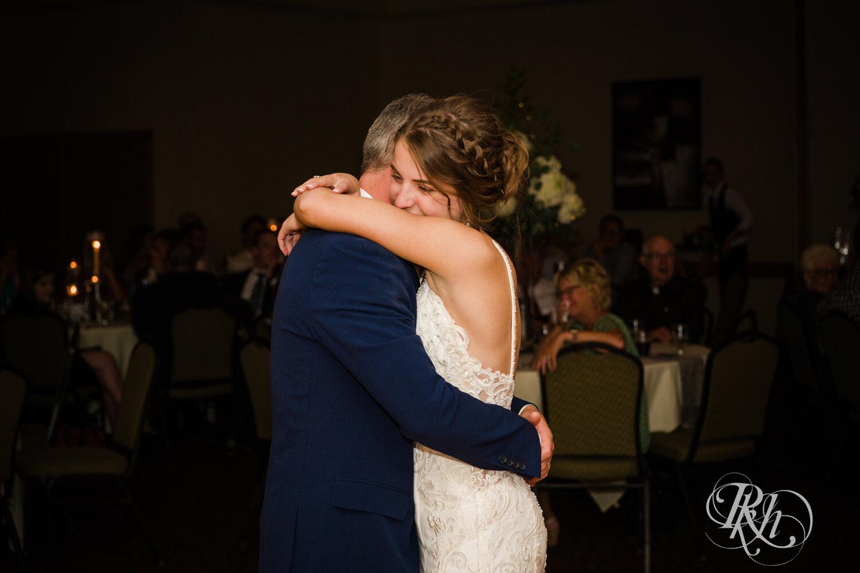 Makayla & Drew - Minnesota Wedding Photography - Country Inn Mankato - RKH Images - Blog (74 of 88).jpg