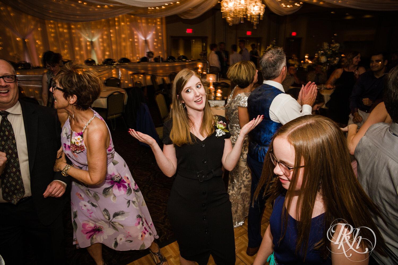 Makayla & Drew - Minnesota Wedding Photography - Country Inn Mankato - RKH Images - Blog (81 of 88).jpg