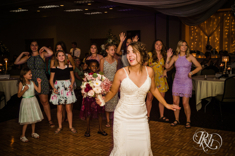 Makayla & Drew - Minnesota Wedding Photography - Country Inn Mankato - RKH Images - Blog (85 of 88).jpg
