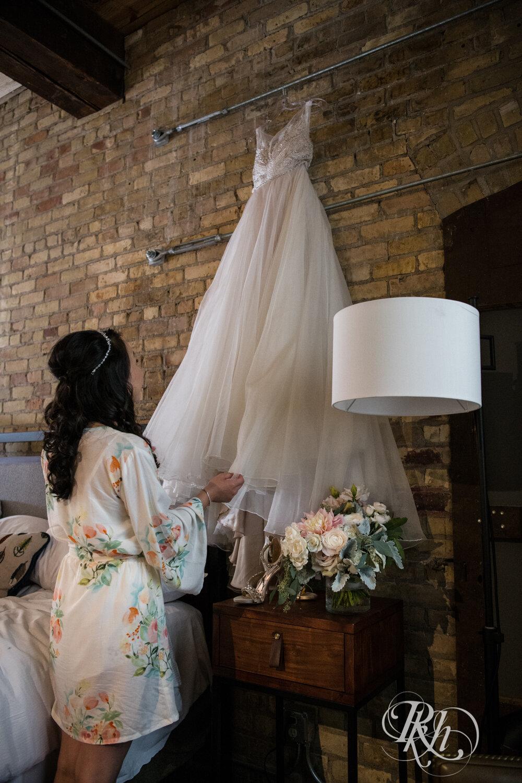 Courtney & Nick - Minnesota Wedding Photography - Walker Art Center - RKH Images - Blog (18 of 58).jpg