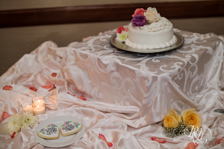 Jolene and Mike - Minnesota Wedding Photography - Lakeville Holiday Inn - RKH Images - Blog (4 of 50).jpg
