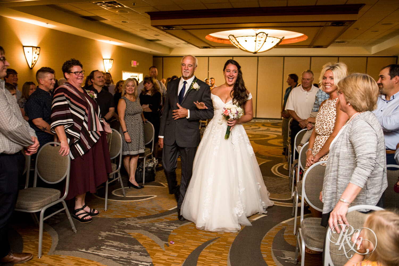 Jolene and Mike - Minnesota Wedding Photography - Lakeville Holiday Inn - RKH Images - Blog (33 of 50).jpg
