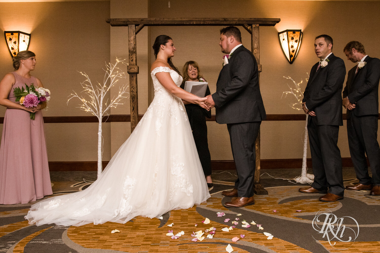 Jolene and Mike - Minnesota Wedding Photography - Lakeville Holiday Inn - RKH Images - Blog (35 of 50).jpg