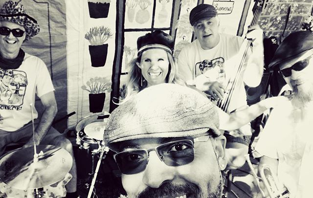 Enjoyed playing with SolTree:) @thehowardschool #livemusic #carpinteria #localmusic
