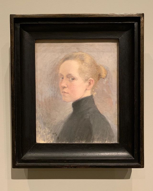 A series of Helene Schjerfbeck's self portraits created over many years, the small charcoal was the last one she made. These were from just one room in her stunning show at @royalacademyarts