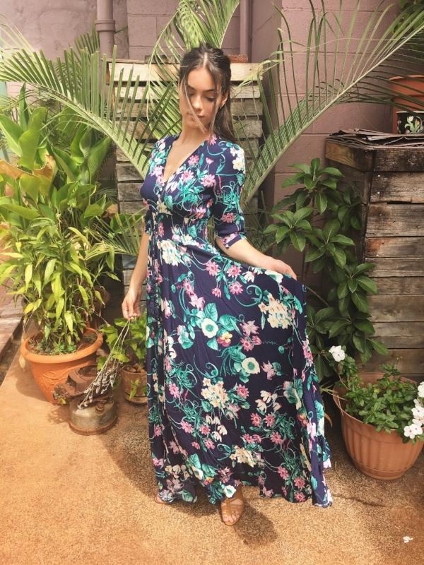 A 3/4 sleeve floral full maxi dress, a Fall staple!