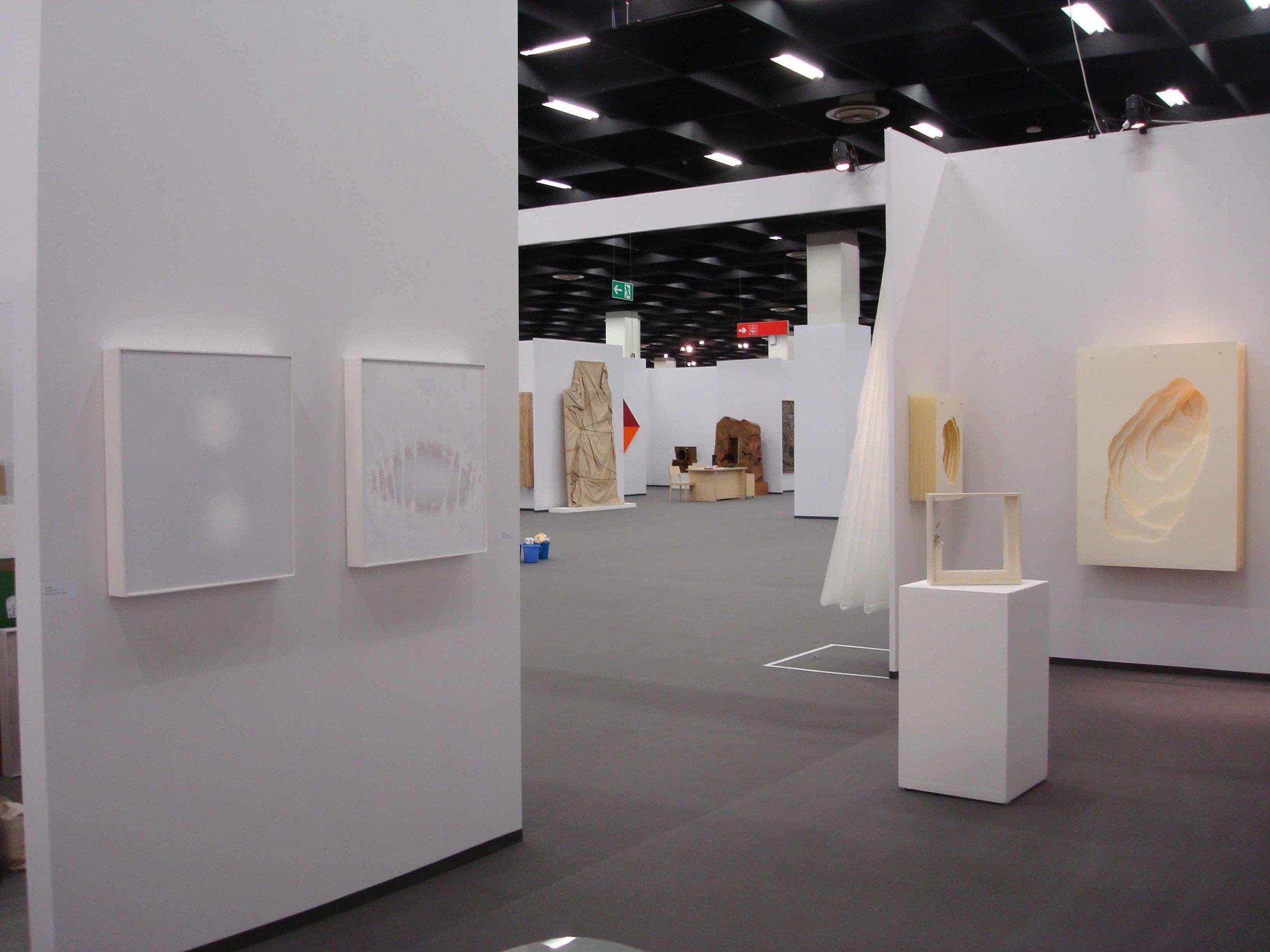 Stand White meditation room di Galleria Grossetti ad Art Cologne 2011.jpg