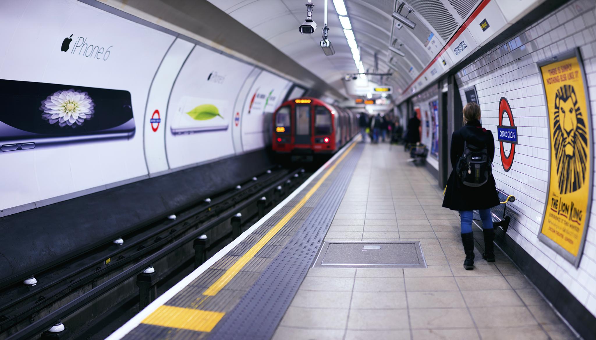 イギリス:「オックスフォードサーカス駅/Oxford Circus tube station」