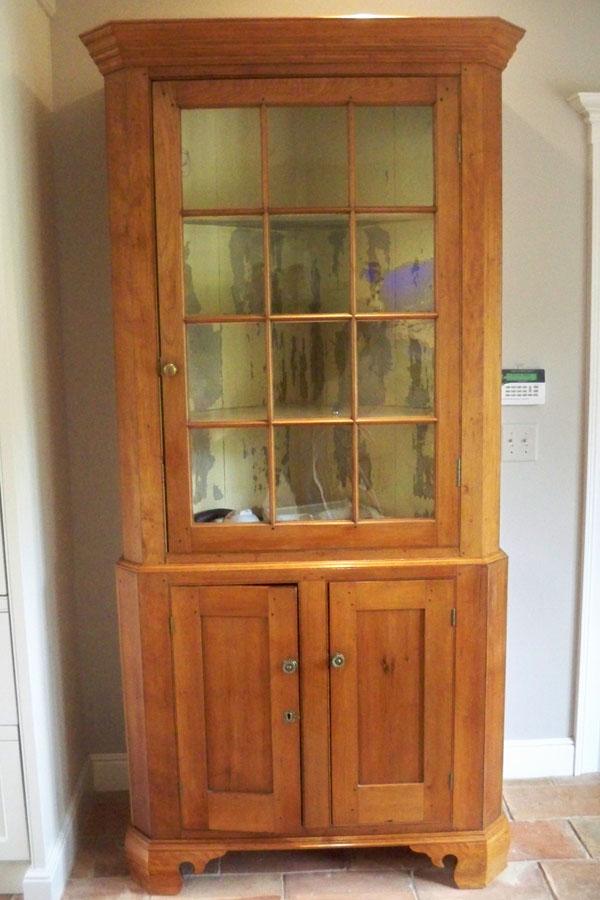Molding- corner cupboard.jpg