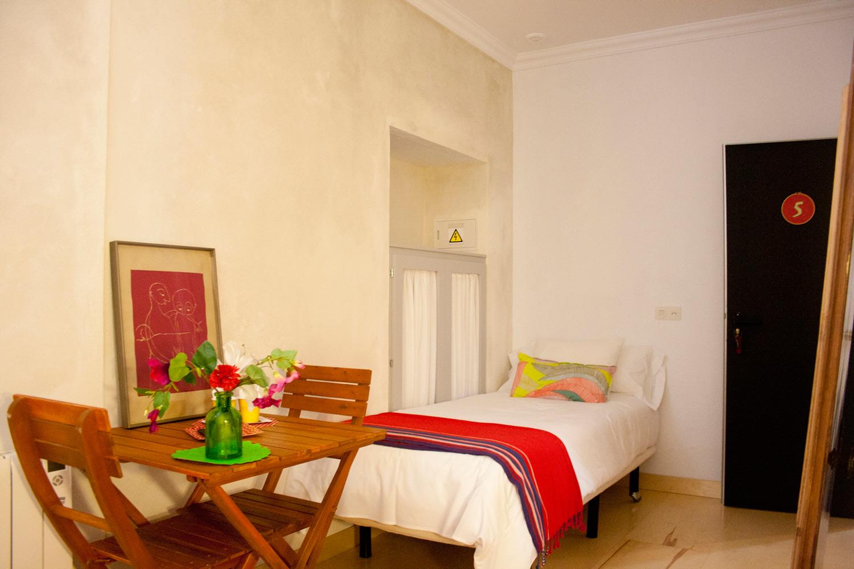 Hotel-Casa-de-Huespedes-Santa-Maria-Habitacion-5-2.jpg