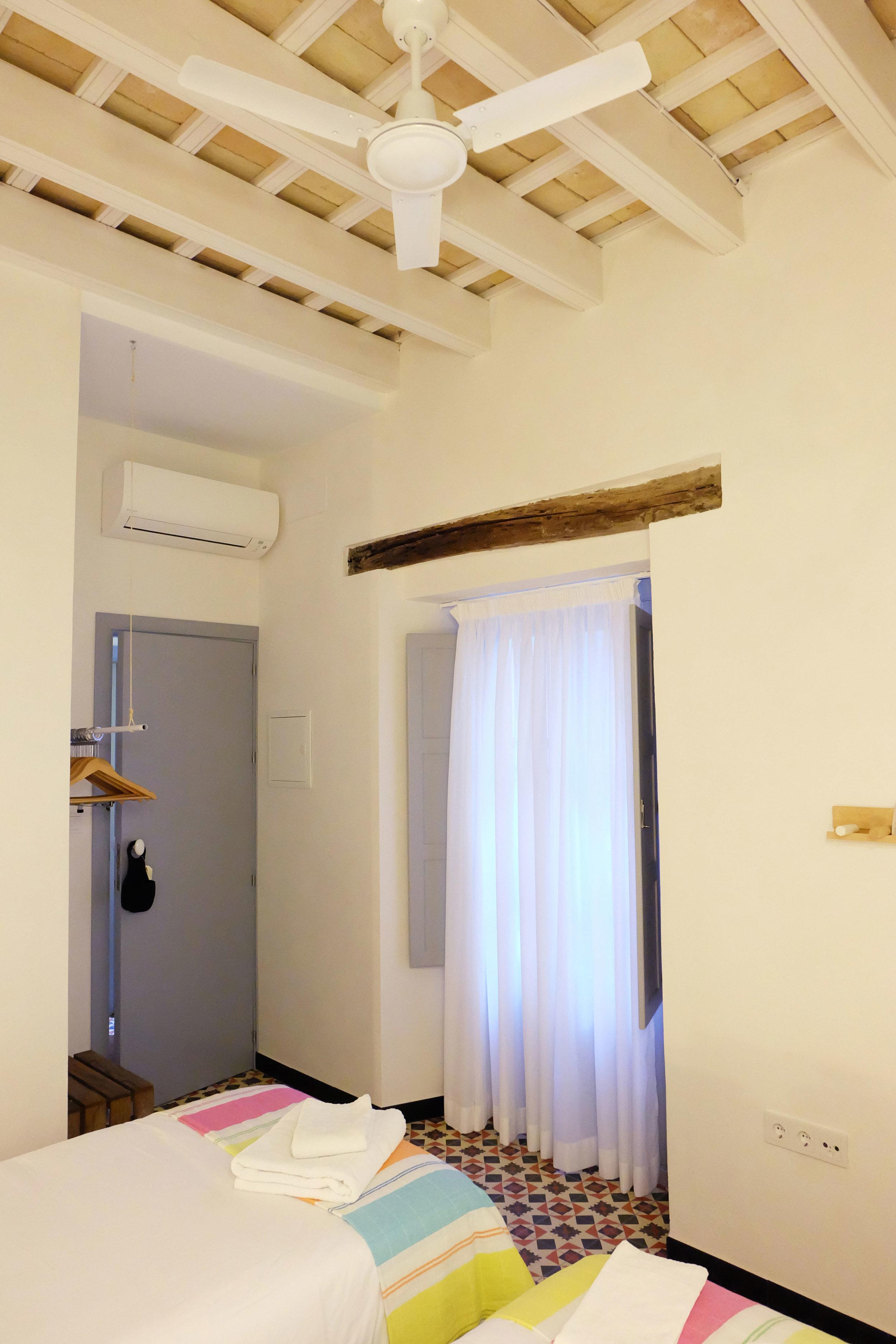 Hotel-Casa-de-Huespedes-Santa-Maria-Habitacion-2-3.jpg