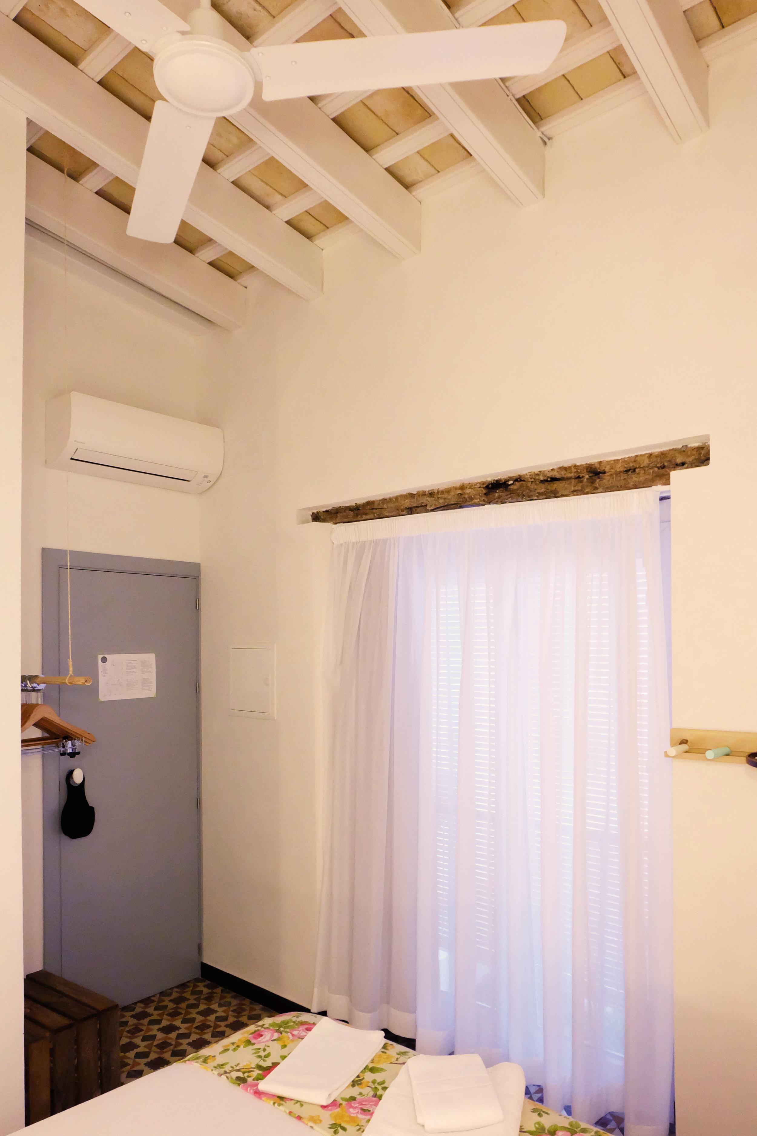Hotel-Casa-de-Huespedes-Santa-Maria-Habitacion-10-6.jpg