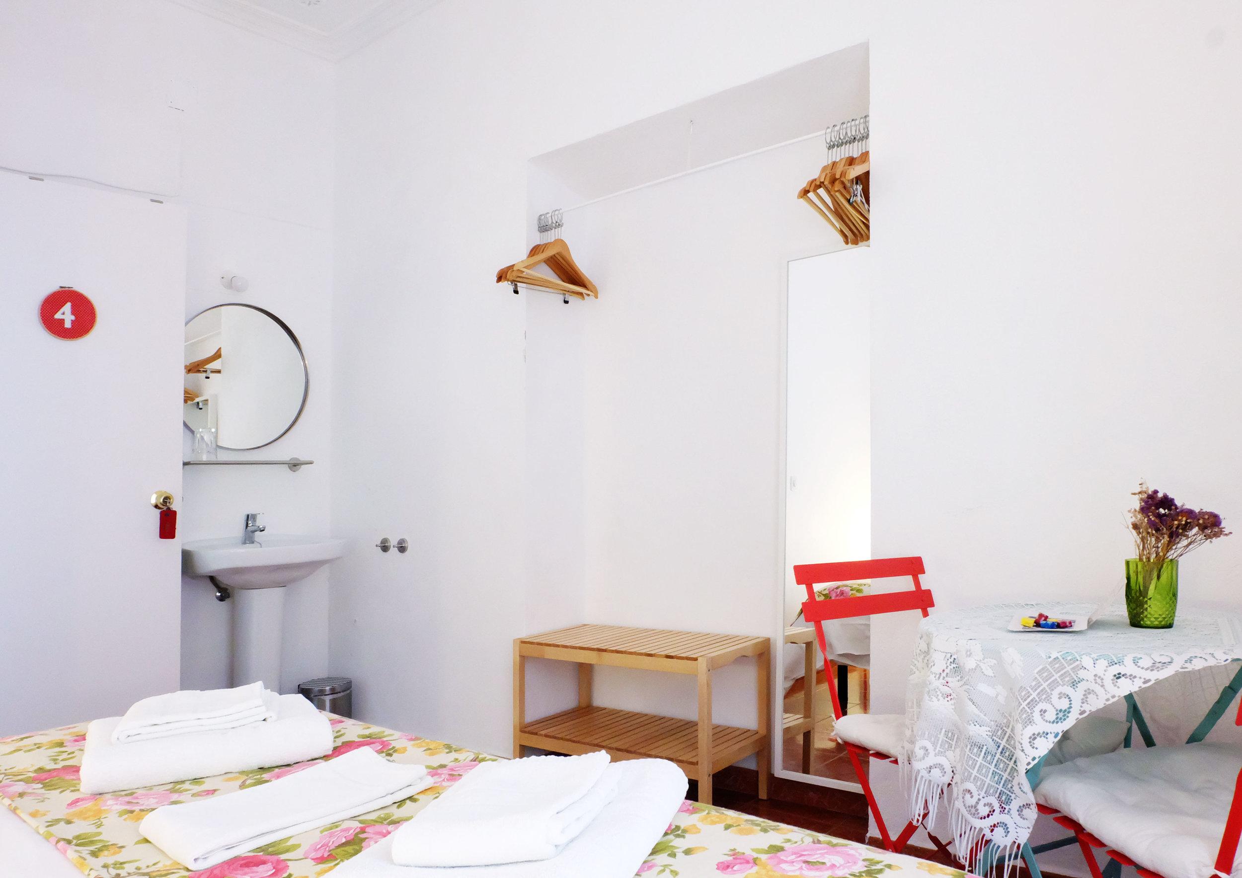 Hotel-Casa-de-Huespedes-Santa-Maria-Habitacion-4-7.jpg