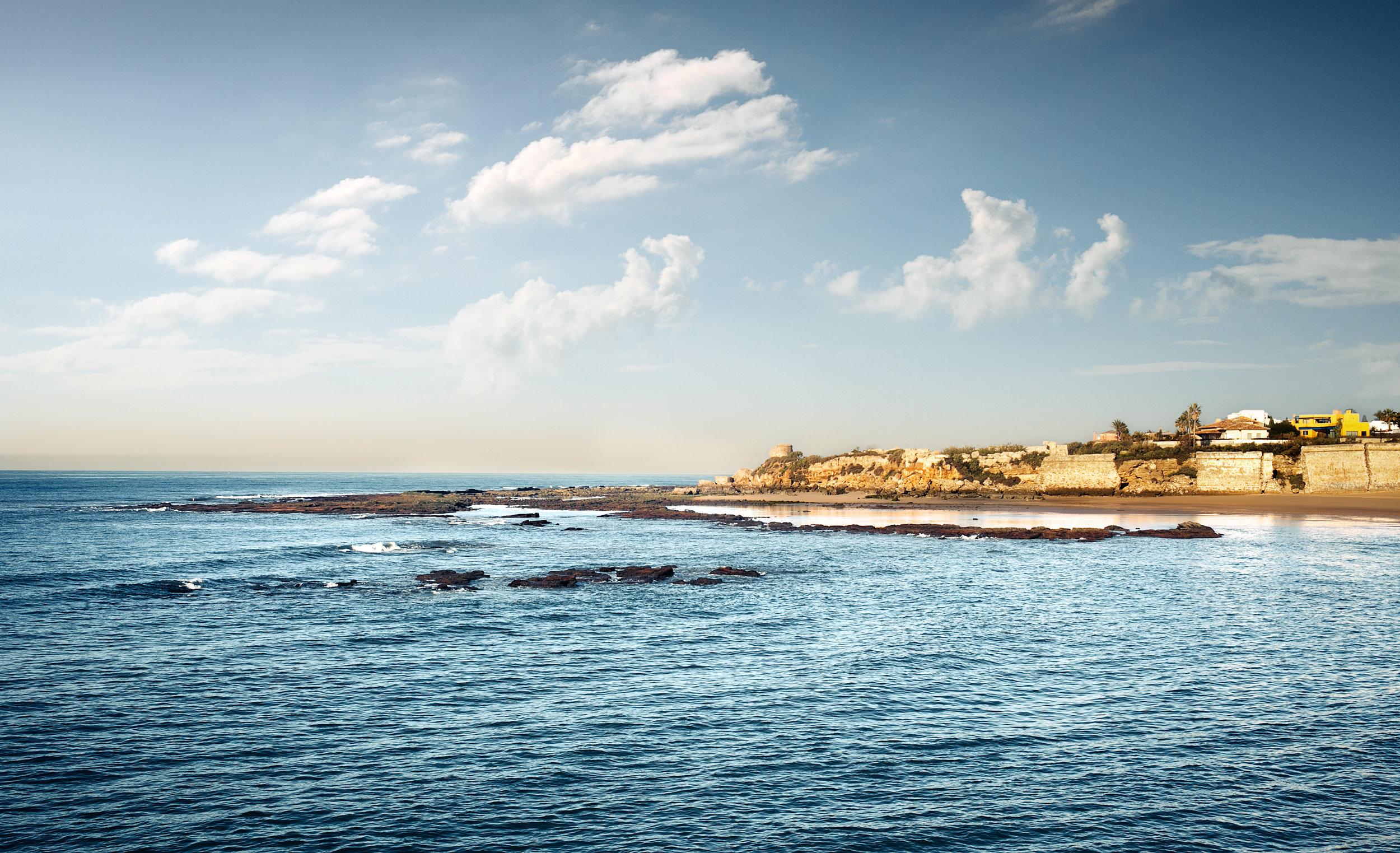 Playa de la Muralla. Vista desde el paseo de Puerto Sherry. Foto:  Raul Perez Pellicer