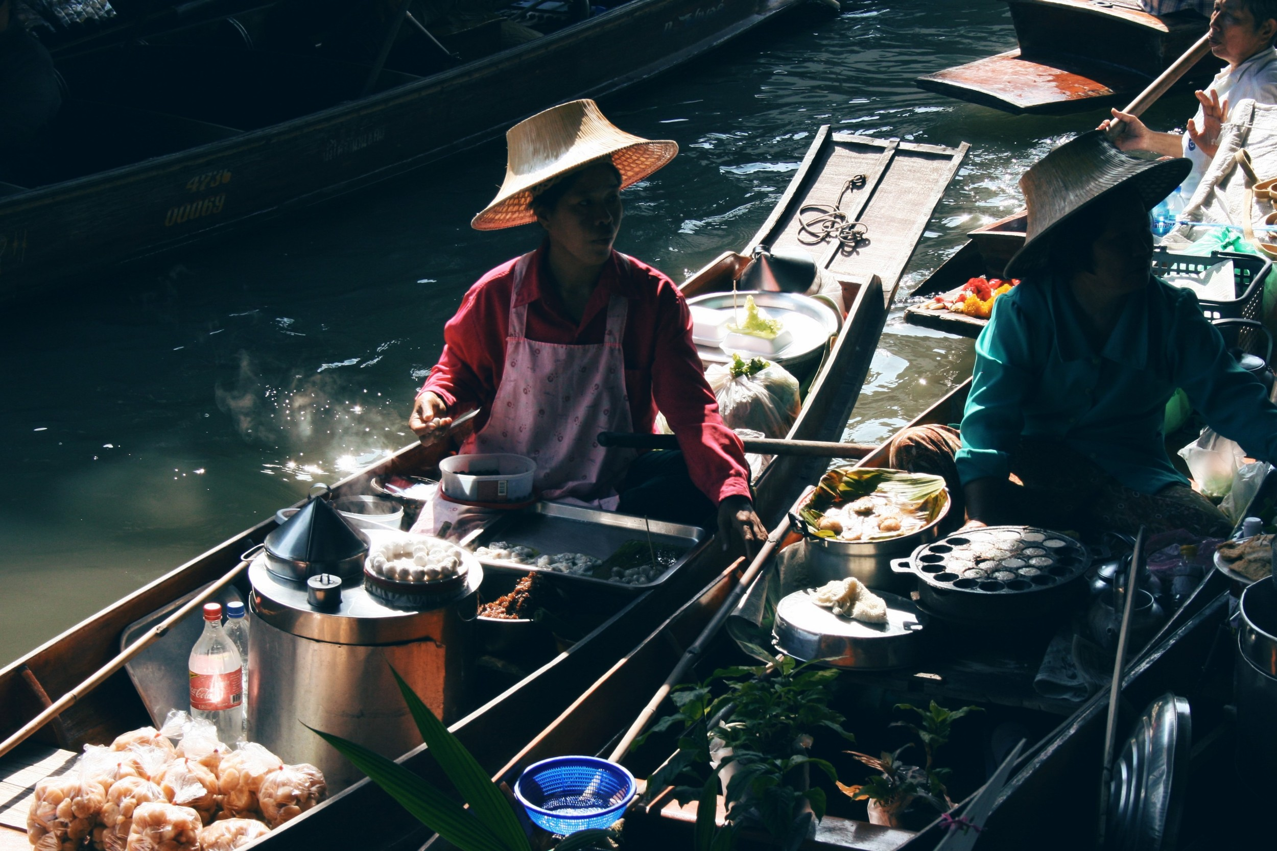 Damnoen Saduak floating market is the most popular one, located 100km outside Bangkok