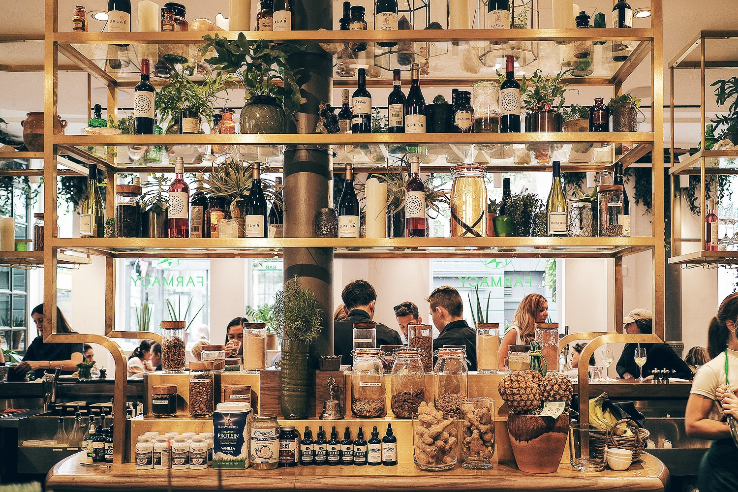 Farmacy London reimagines healthy eating with a glorious space for breakfast or brunch in Notting Hill